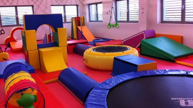 un cours de baby gym pendant les vacances pour les 1 6 ans. Black Bedroom Furniture Sets. Home Design Ideas